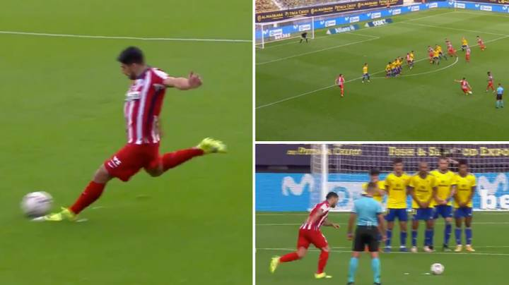 Luis Suarez Turns Into Lionel Messi And Scores A Ridiculous Free-Kick From 30 Yards Out