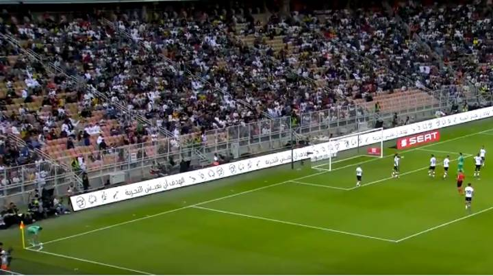 Real Madrid's Toni Kroos Scores Directly From A Corner Against Valencia