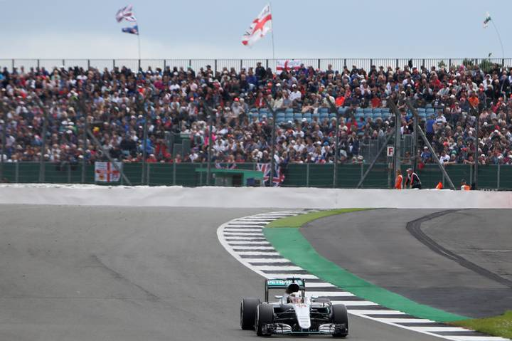 BREAKING: Lewis Hamilton Wins The British Grand Prix