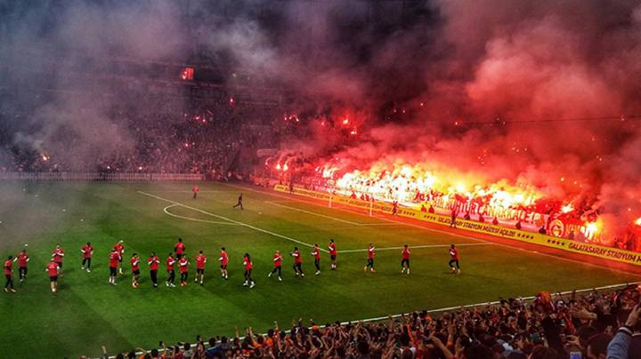 The Scenes At Galatasaray's Open Training Are Like Nothing Else