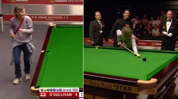 Ronnie O'Sullivan Lets Pitch Invader Take Shot On The Black And Misses...Twice