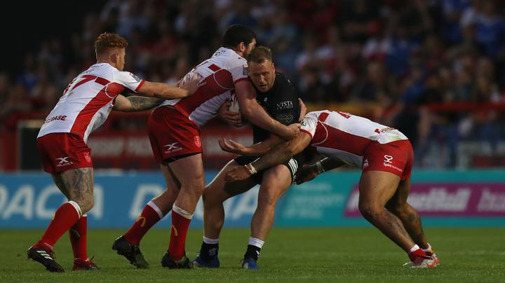Rugby League Player Dislocates Knee And Punches It Back Into Place