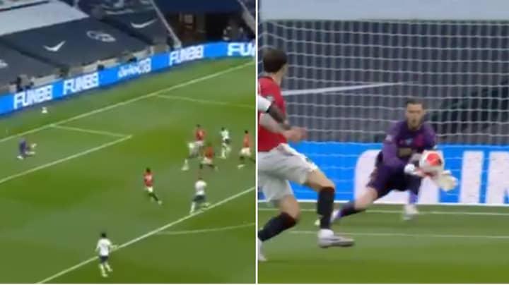 Manchester United's David De Gea Makes Huge Mistake, Gifts Tottenham A Goal