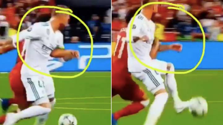 New Angle Shows Mo Salah Might Have Been The One Who Grabbed Sergio Ramos