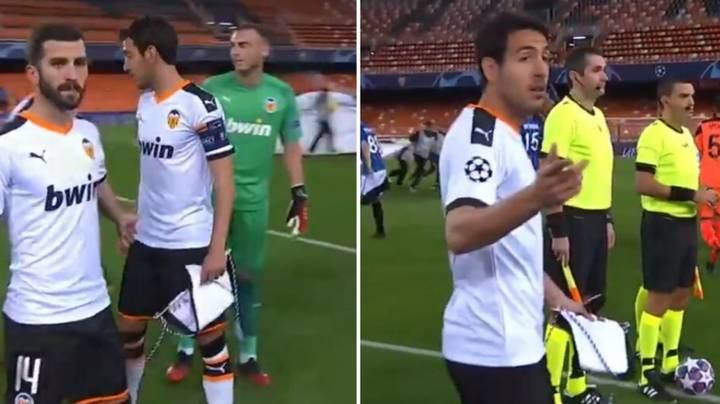 Valencia Players Had No Idea What To Do After The Champions League Anthem