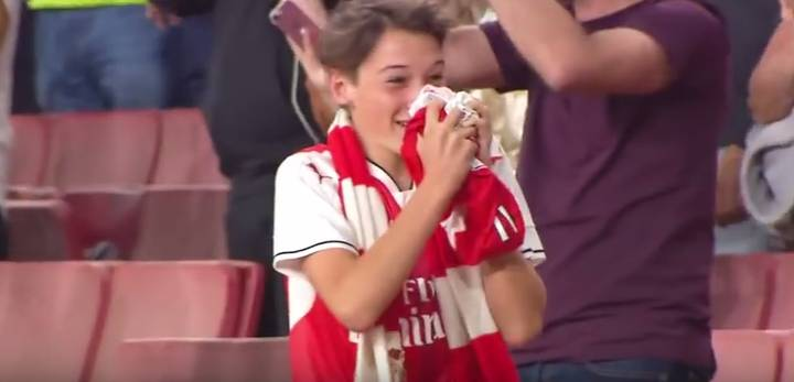 WATCH: Young Fan Lose His Shit After Mesut Ozil Gives Him His Arsenal Shirt