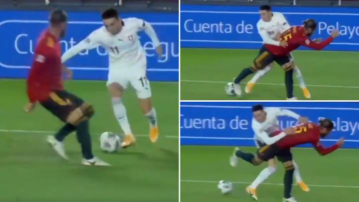 Sergio Ramos Pulls Off Incredible No Look Backheel Tackle In The Penalty Area