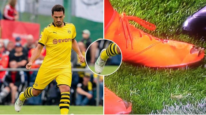 The Reason Why Mats Hummels Cuts Holes In His Boots