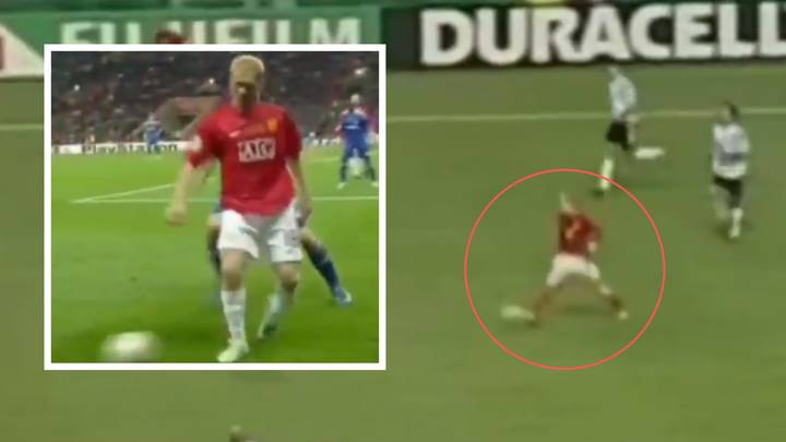 Video Of Paul Scholes' Superb Outside The Foot Passing Technique Is A Joy To Watch