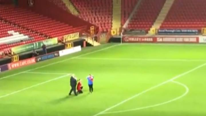Half-Time Proposal At Charlton Athletic's Checkatrade Trophy Game Was The Least Romantic Ever