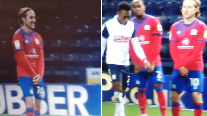 Lewis Holtby Brilliantly Protects Himself From Preston's Darnell Fisher
