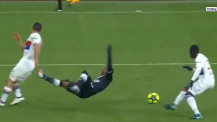 Watch: Arsenal Target Malcom Produces One Of The Dives Of The Season