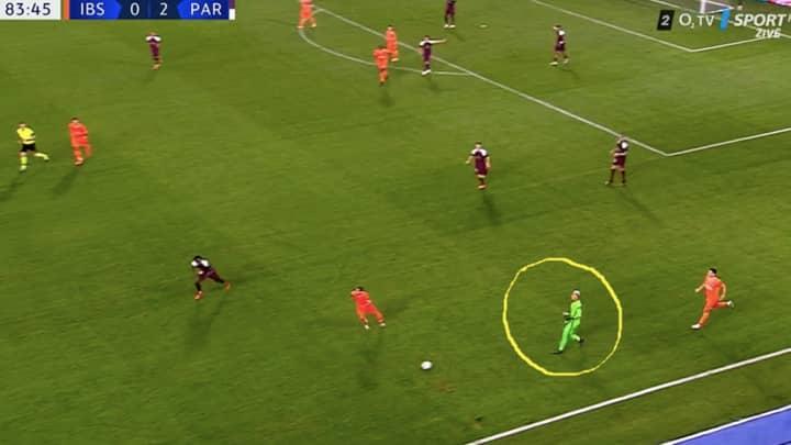 Bored Paris Saint-Germain Goalkeeper Keylor Navas Decides To Play Outfield For A Bit Against Istanbul Basaksehir