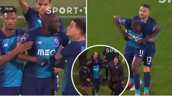 Moussa Marega Attempts To Substitute Himself After Receiving Horrific Racist Abuse