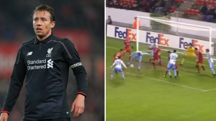 Lucas Leiva Responds To Liverpool Fan Who Slagged Him Off