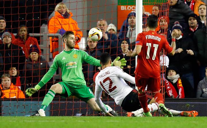 Manchester United Fans Fume After Liverpool Defeat