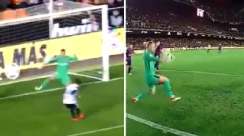 Watch: Barcelona's Jasper Cillessen Produced A Sensational Save Last Night