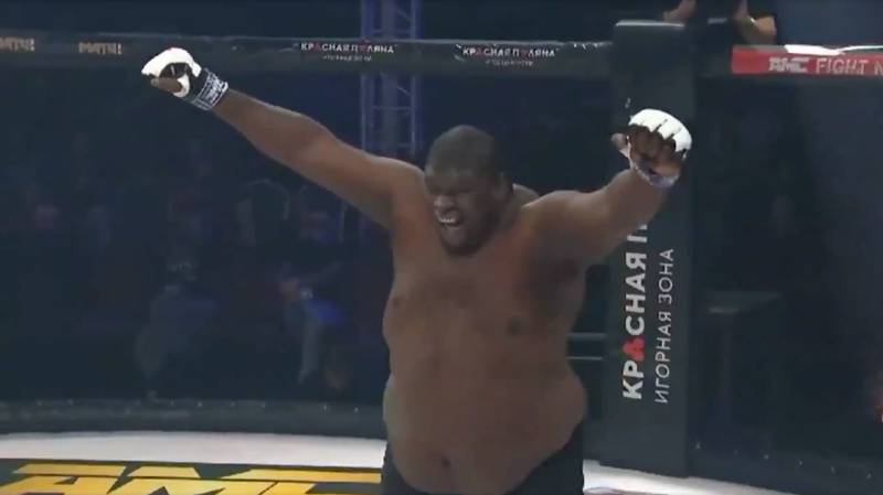 400-Pound Fighter Zuluzinho Hilariously Celebrates Victory Too Early And Ends Up Losing MMA Bout