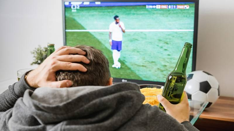 Study Finds Watching Football Is Good For Your Health