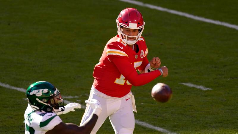 Patrick Mahomes Inventing New Ways To Score Following Absurd Underarm Pass