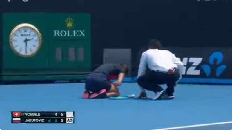 Tennis Player Pulls Out Of Australian Open Qualifier With Coughing Fit Due To Thick Smoke
