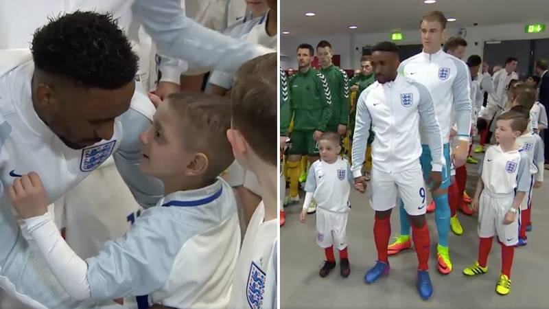 1 Year Ago Today: Jermain Defoe Led Bradley Lowery Out As Mascot For England