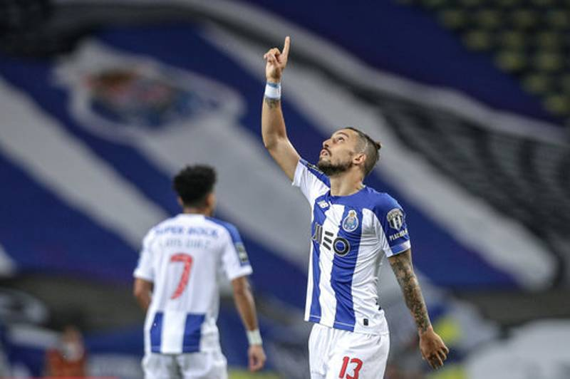 Manchester United 'Agree Five-Year Contract' With Alex Telles