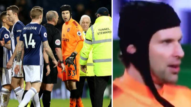 Arsenal Fans Absolutely Loved What Petr Cech Shouted At Mike Dean