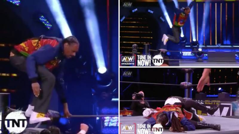 Hilarious Moment Snoop Dogg Performed A 'Frog Splash' On AEW Last Night