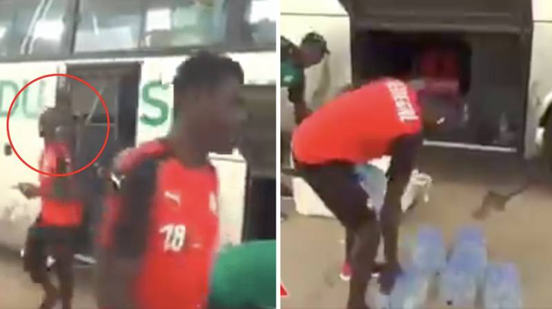 Sadio Mane Helps Kitman Carry Equipment Off Senegal Team Bus