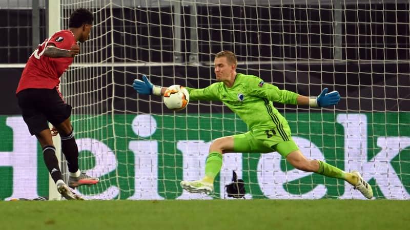 FC Copenhagen Goalkeeper Karl-Johan Johnsson Turns Into Superman Against Manchester United