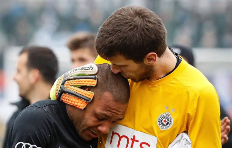 Everton Luiz Leaves The Pitch In Tears After Being Subject To Vile Racist Abuse