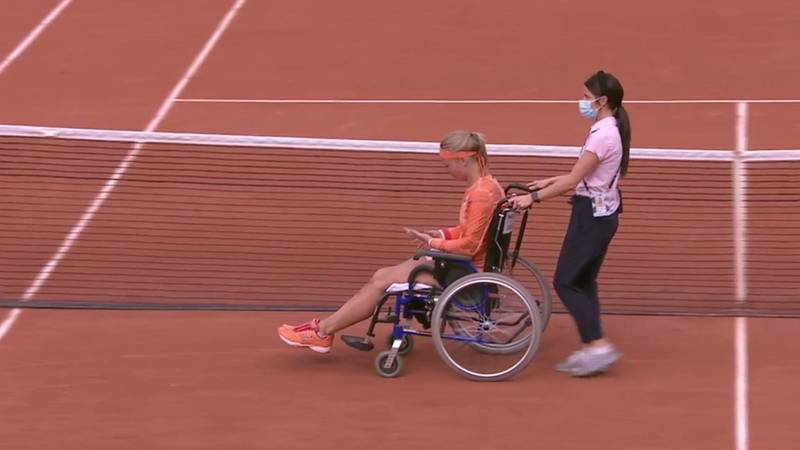 Kiki Bertens Accused Of Faking An Injury After Being Carted Off Court In A Wheelchair