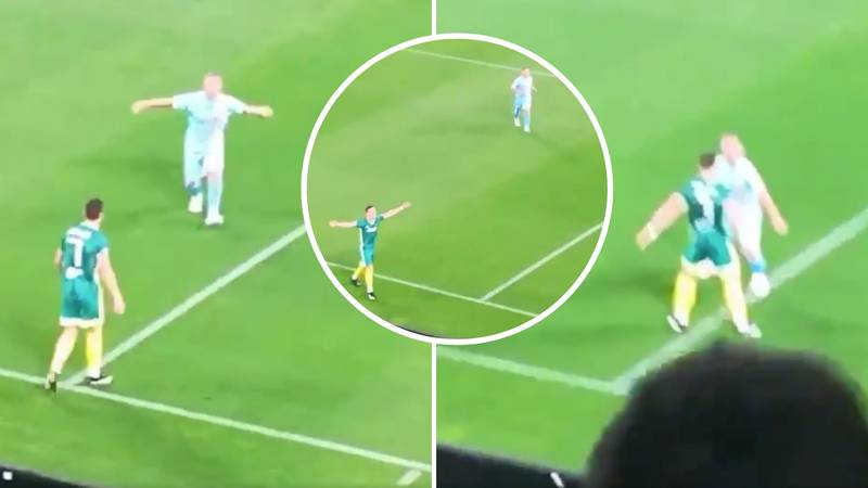 Cristiano Ronaldo Scores In Charity Match And Opposition Player Joins In For His 'Sí' Celebration