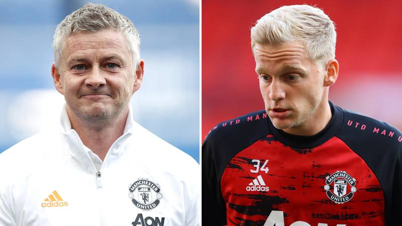 Donny Van De Beek 'Doesn't Want To Give Interviews' Anymore And Is 'Upset' At Manchester United