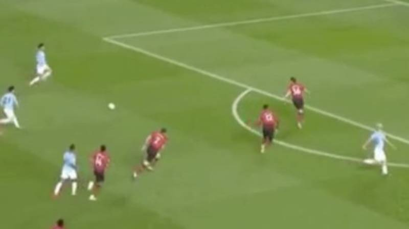 Fans Hilariously Break Down Manchester United's 1-1-1-1-3-3 Formation