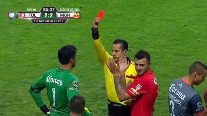 WATCH: Mexican Football Team Have Three Players Sent Off In 30 Seconds
