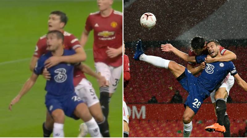 Harry Maguire Puts Cesar Azpilicueta In A 'Headlock' As Chelsea Denied Penalty At Manchester United