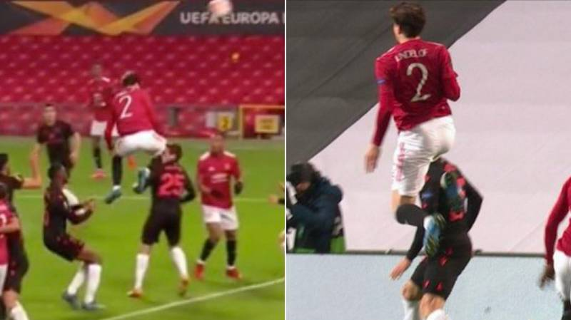 Victor Lindelof Hits Jon Bautista With A Brutal Flying Knee As He Denies Axel Tuanzebe Goal
