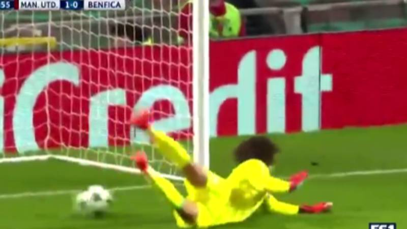 Watch: Benfica 'Keeper Mile Svilar Scores Ridiculously Unlucky Own Goal