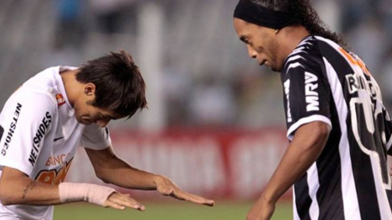 Neymar's Emotional Message To Ronaldinho After He Announced His Retirement