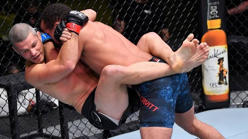 UFC Fans And Experts Are Calling This 'The Most Violent Finish In Recent Years'