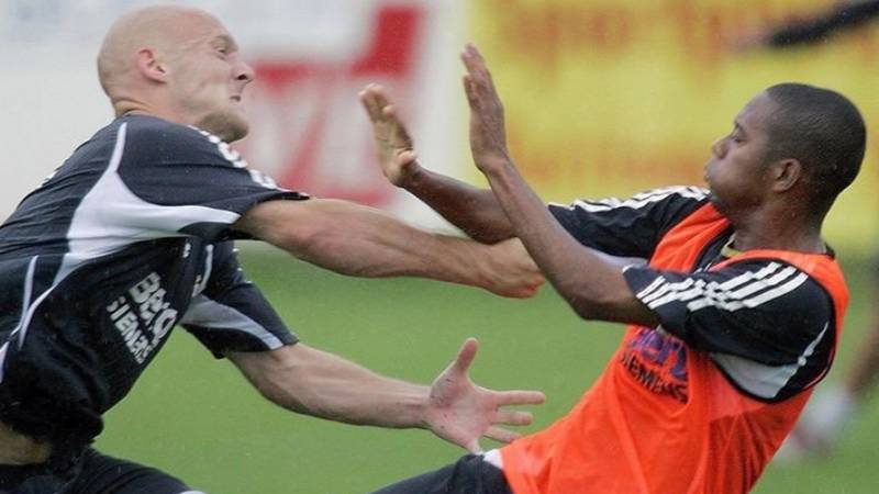 14 Years Ago Today, Thomas Gravesen Tried To Deck Robinho In Real Madrid Training