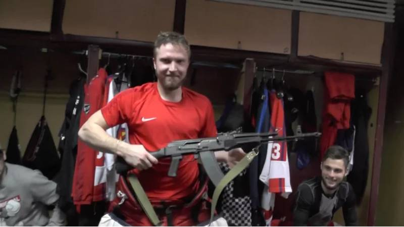 Russian Hockey Team Awards AK-47 To 'Player Of The Game'