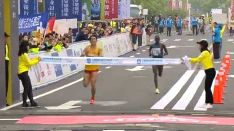 Chinese Runner Poos Himself During Half-Marathon And Still 'Wins'