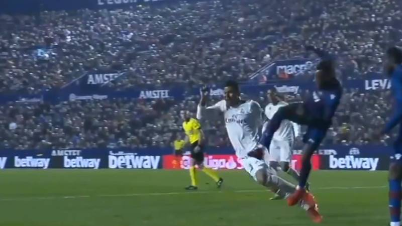 VAR Somehow Missed Casemiro's Dive For Real Madrid