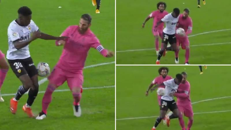 Sergio Ramos Produced The Most Obvious Handball You'll Ever See During Valencia 4-1 Real Madrid