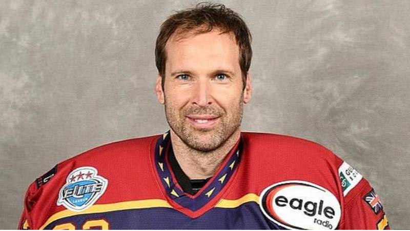 Petr Cech Signs With Ice Hockey Club Until The End Of The Season