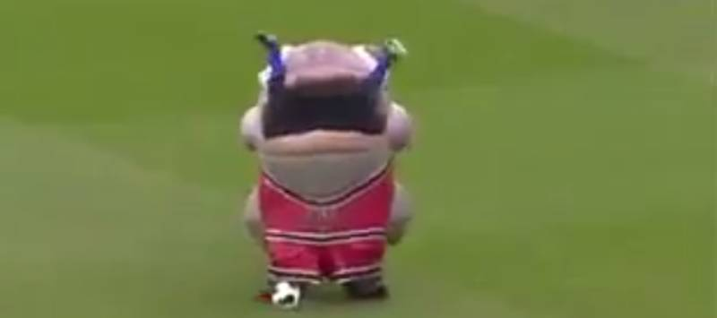 WATCH: The Weirdest Half-Time Entertainment Ever Took Place In The Championship