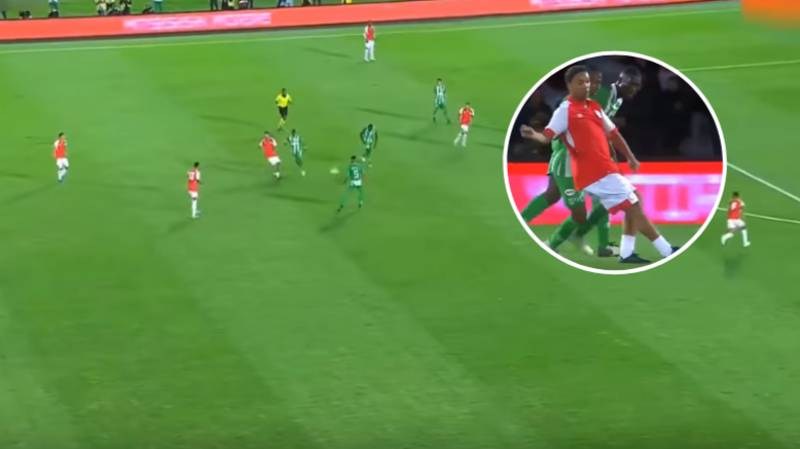 Ronaldinho Comes Out Of Retirement, Produces Filthy No-Look Assist For Santa Fe